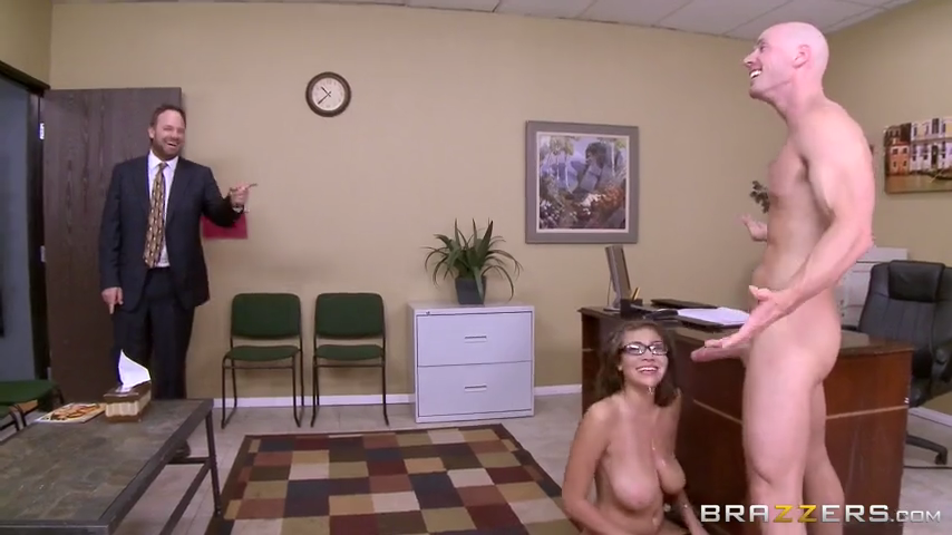 Brazzers-Fuck The Interview-Cassidy Banks,Jonny Sins
