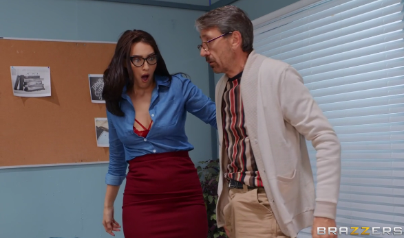 Brazzers - Old Man On Campus - Bella Rolland, Steve Holmes