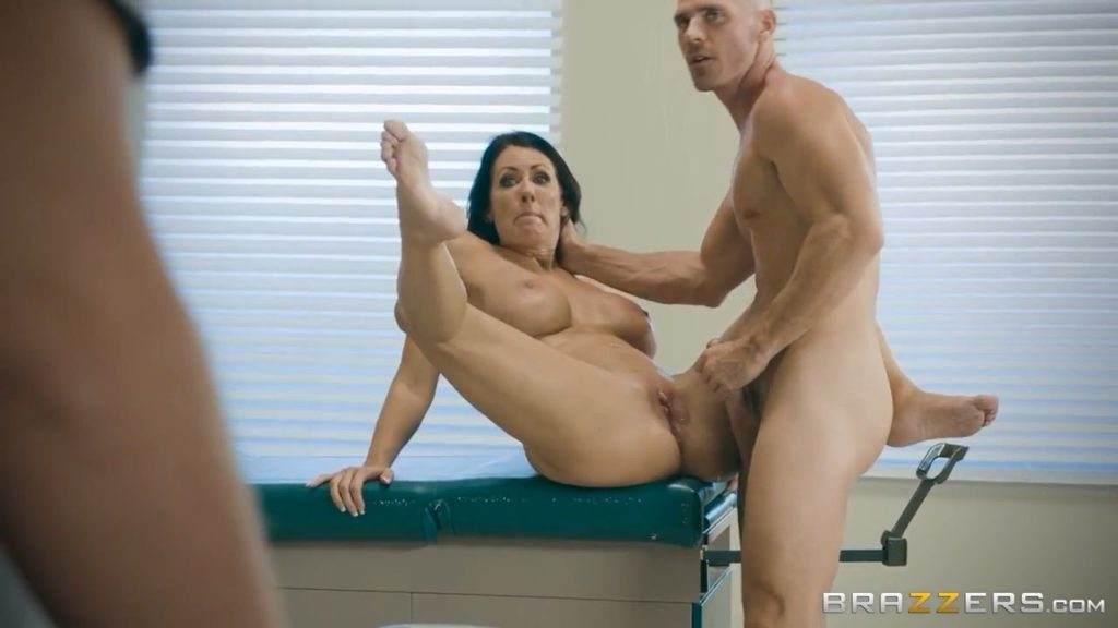 Brazzers-My Husband Is Right Outside-Reagan Foxx Johnny Sins