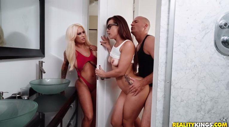 Realitykings Kelsi Monroe , Brandi Bae , Sean Lawless - My Stepsister's Girlfriend