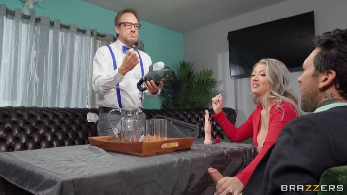 Brazzers Emily Right , Small Hands - My Pussy Deserves A Patent